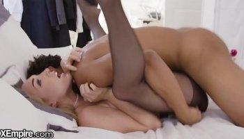 jennifer dark pro pornstar shows how to fuck