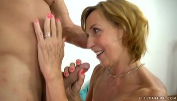Sexy Busty mommy Sienna West loves to lick his ass